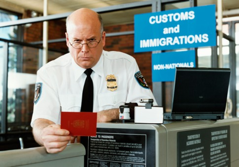 immigration-officer.jpg