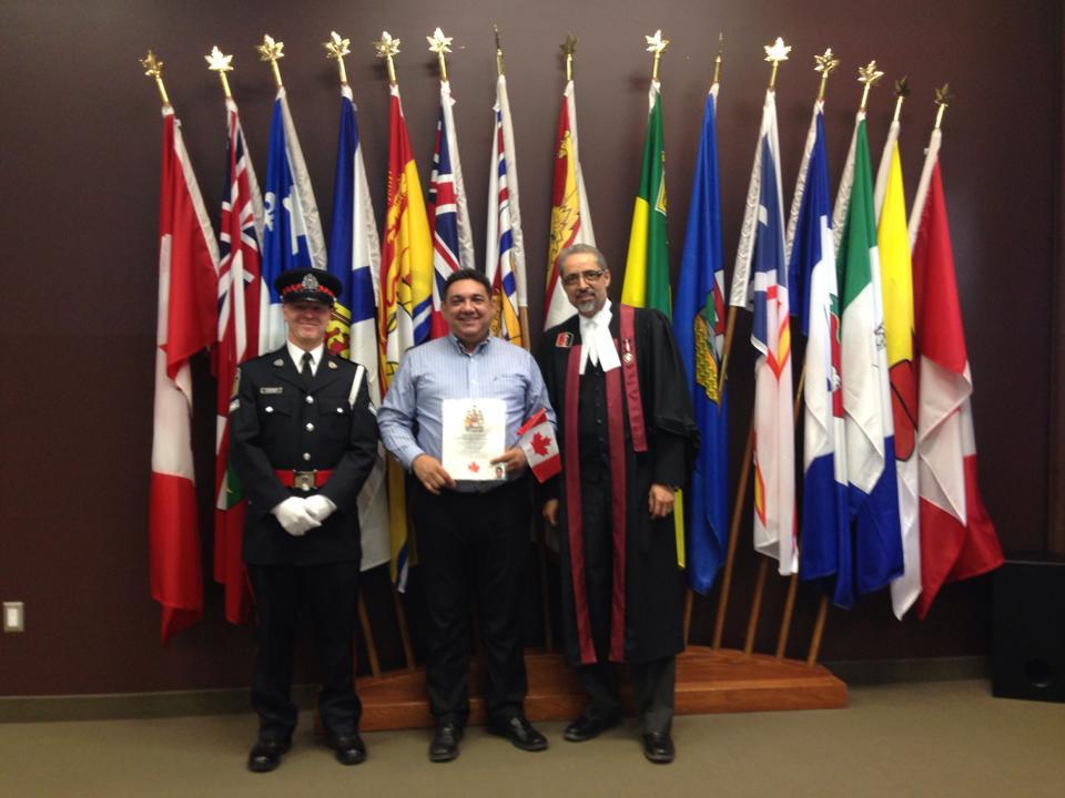 Alfonso Parra ceremonia de ciudadanía Canadiense